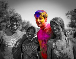 holi-festival-black-and-white-photography-with-color-006_2